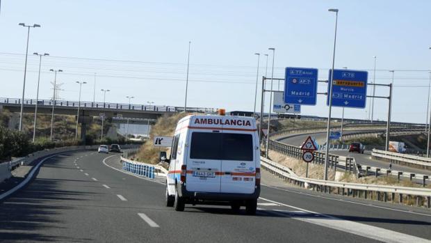 Cómo reaccionar ante un vehículo de emergencias