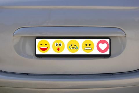 Matrículas de coches con emojis: este país les ha dado luz verde