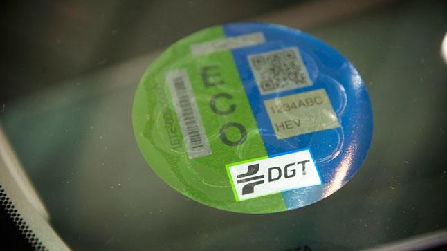 La DGT podría cambiar el sistema de etiquetado medioambiental