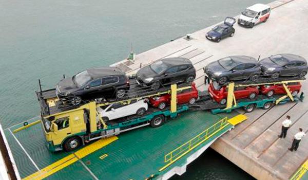 Los grandes 'rent a car' reducen flota en la Isla ante la incógnita de la temporada