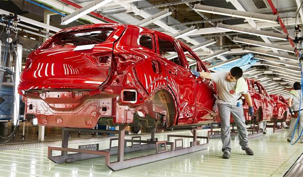 La industria del automóvil invierte 3.000 millones, un 42% más