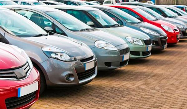 El desplome del 30% en ventas de coches diésel hasta junio arrastra al sector