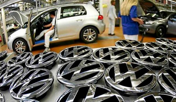 La industria del automóvil, en caída y a la espera del coche eléctrico