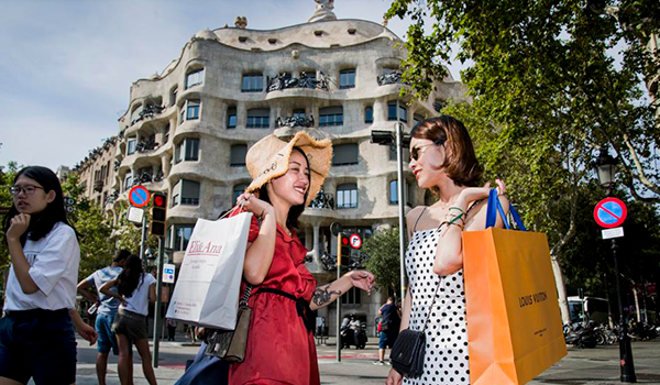 Los asiáticos ganan peso como turistas de compras en Barcelona
