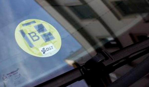 No podrás conducir tu coche si está matriculado antes del año 2000