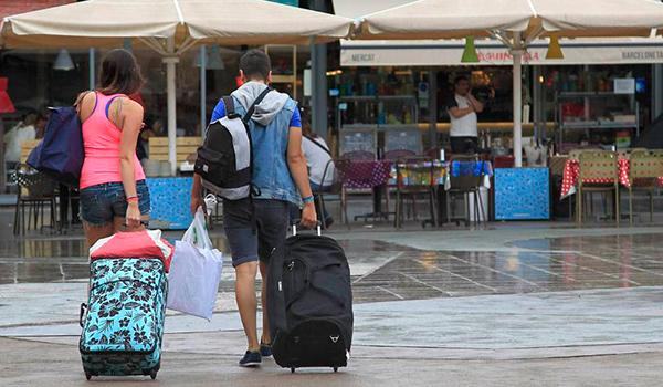 España recibió el año pasado 83,7 millones de turistas y consigue su séptimo récord consecutivo