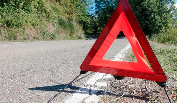 La DGT se pone seria: que NO debes hacer en una parada de emergencia