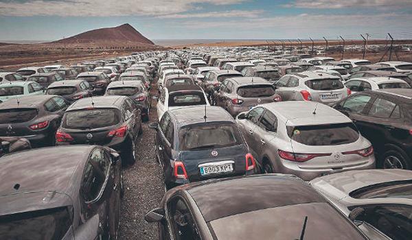Las empresas de vehículos de alquiler reducirán a la mitad la flota en Tenerife