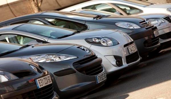 El mercado de vehículos español caerá un 31% este año