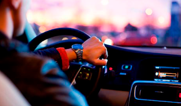 Multas con coches de alquiler: si no se localiza al conductor, ¿quién asume el pago?