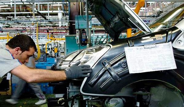 Riesgo «extremo» de colapso en la industria española del automóvil