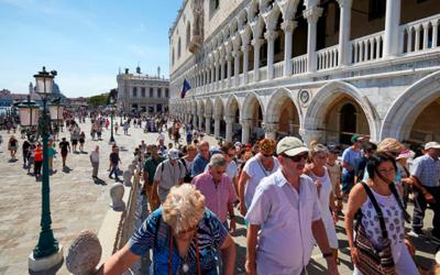 El turismo de masas volverá en verano