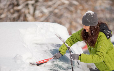 Cómo quitar la nieve y el hielo del coche sin dañarlo