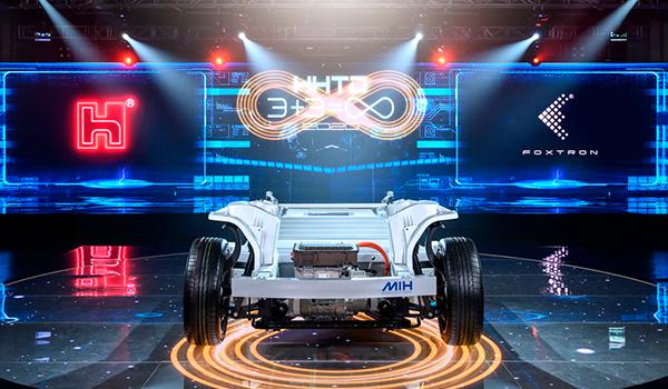 Foxconn, fabricante de PlayStation y GoPro, quiere producir una plataforma universal para coches eléctricos